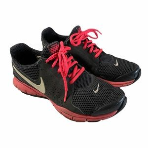 Nike Breathe Black Pink Lace Up Running Shoes